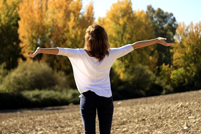 Poczucie szczęścia ma wpływ na zdrowie fizyczne [fot.  Alfonso Cerezo z Pixabay]