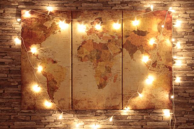 Podróże zwiększają poczucie szczęścia [fot. Fabian Steinmetz from Pixabay]