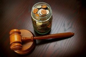 Polacy najczęściej nie płacą grzywien oraz kosztów sądowych [© zimmytws - Fotolia.com]
