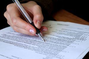 Polacy nie czytają umów przed podpisaniem [© Anna - Fotolia.com]