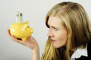 Polacy nie mają oszczędności. Odkładają na zdrowie i leczenie [© dundersztyc - Fotolia.com]
