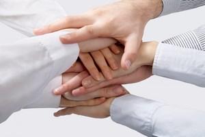 Polacy się uspołeczniają. Rośnie gotowość do niesienia pomocy [© chagin - Fotolia.com]