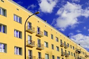 Polacy t�ocz� si� w mieszkaniach [© Marcin Chodorowski - Fotolia.com]