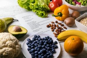 Polacy uwielbiają diety... na własną rękę [Fot. ronstik - Fotolia.com]