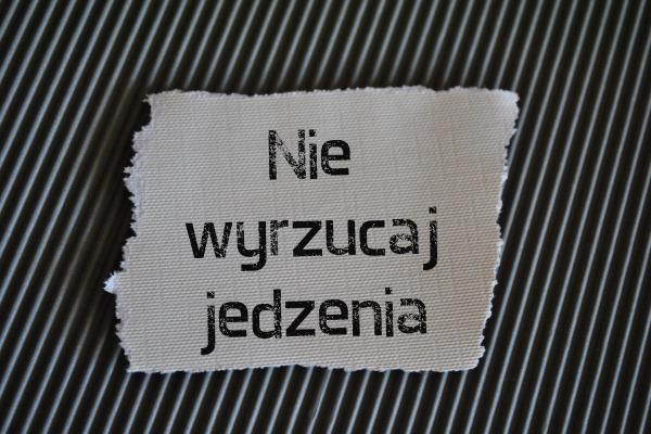 Polacy wyrzucają jedzenie, co piąty traci na tym pieniądze [Fot. bnorbert3 - Fotolia.com]
