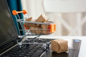 Połowa kupujących online na świecie robi zakupy za granicą [Fot. bogdanvija - Fotolia.com]