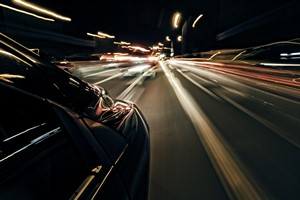Polscy kierowcy kpią sobie z ograniczeń prędkości  [Prędkość, © ambrozinio - Fotolia.com]