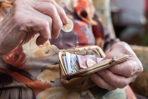 Polscy seniorzy toną w długach [Fot. thodonal - Fotolia.com]