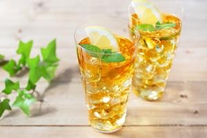 Pomysły na chłodzące napoje na bazie herbaty [Fot. hoto@n - Fotolia.com]