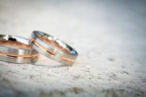 Poprzez Facebook odnaleźli się po 70 latach. Wzięli ślub [© Kristin Gründler - Fotolia.com]