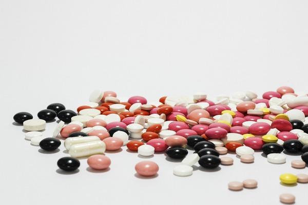Popularne leki zaburzają florę jelitową [fot. Ewa Urban z Pixabay]