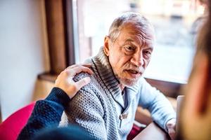 Późne ojcostwo to większe zagrożenie chorobami u wnuków [fot. Halfpoint - Fotolia.com]