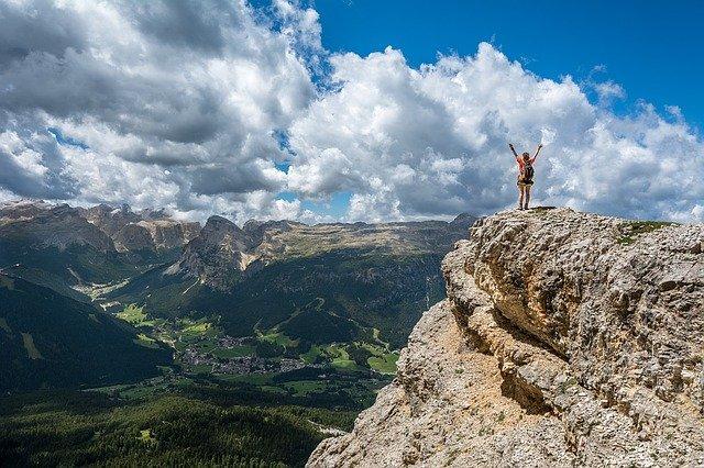 Pozytywne emocje pomagają przetrwać trudne chwile [fot. Free-Photos from Pixabay]