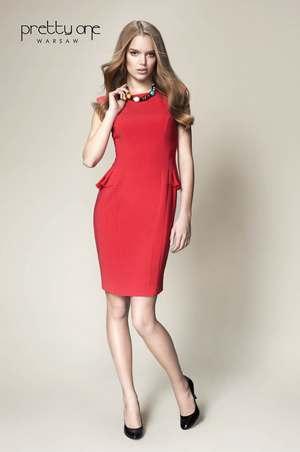 kolekcji Pretty One zauważamy renesans mody XIXw. – baskinka