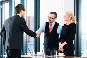Problem pracodawc�w: zatrudni� i zatrzyma� pracownik�w [© Kzenon - Fotolia.com]