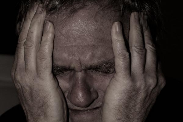 Problemy rodzinne niszczą zdrowie - zwiększają ryzyko udarów i bólu głowy [fot. Gerd Altmann z Pixabay]