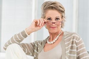 Problemy ze wzrokiem po czterdziestce to norma? [Presbiopia, © Rido - Fotolia.com]
