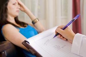 Problemy ze zdrowiem fizycznym skłaniają do wizyty u psychologa [© Phase4Photography - Fotolia.com]