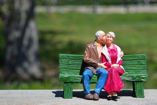 Przepis na udane małżeństwo: oto, co odkryli gerontolodzy [fot. ErikaWittlieb z Pixabay]