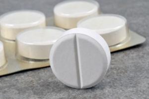Przesadzanie z aspiryną może skończyć się ciężkim przebiegiem grypy [Fot. Richard Villalon - Fotolia.com]