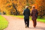 Przyjaciele pomocni w prowadzeniu zdrowego stylu życia [© Pavel Losevsky - Fotolia.com]