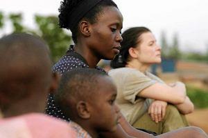 """""""Ptaki śpiewają w Kigali"""" w Dojrzałym Kinie [fot. Ptaki śpiewają w Kigali]"""