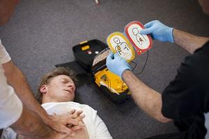 Ratunek dla serca czyli jak oswoić defibrylator [fot. defibrylator AED]