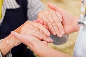 Reumatoidalne zapalenie stawów: pacjenci nie stosują się do zaleceń [© Ocskay Bence - Fotolia.com]