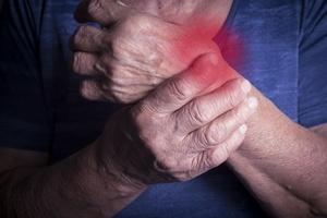 Reumatoidalne zapalenie stawów - zaczyna się od zwykłego bólu [© hriana - Fotolia.com]