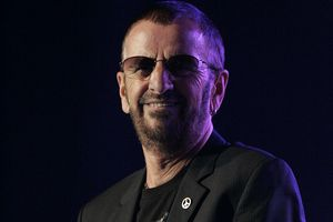 Ringo Starr, słynny perkusista The Beatles, skończył 75 lat [© Ringo Starr, fot. Eva Rinaldi, CC BY-SA 2.0, Wikimedia Commons]