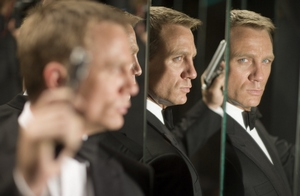 Roger Moore fanem Bonda Daniela Craiga [Daniel Craig fot. UIP]