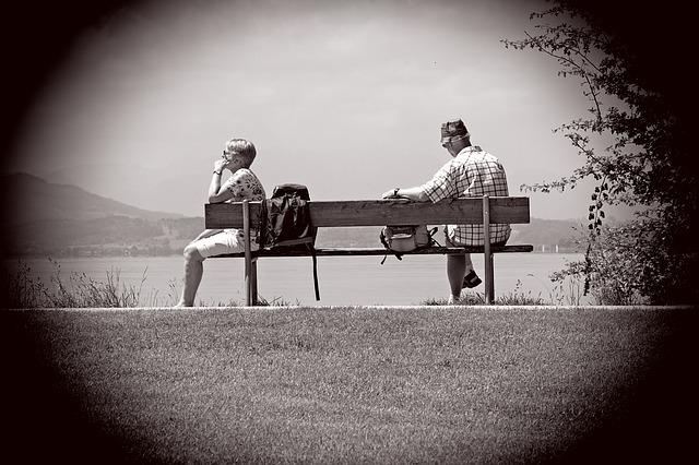 Rozwód niszczy zdrowie? Nie tak bardzo, jeśli bierzesz go w starszym wieku [fot. Manfred Antranias Zimmer from Pixabay]