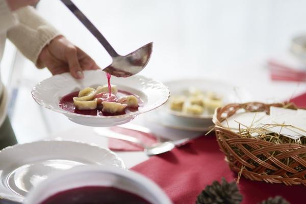 Ryby na wigilijnym stole, czyli o tradycji słów kilka [Fot. gpointstudio - Fotolia.com]