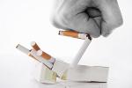 Rzucanie palenia - jak zmniejszyć uciążliwość wychodzenia z nałogu [© Oleksandra Voinova - Fotolia.com]