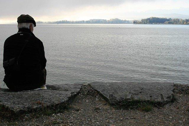 Samotność zwiększa ryzyko raka u mężczyzn [fot. pasja1000 from Pixabay]