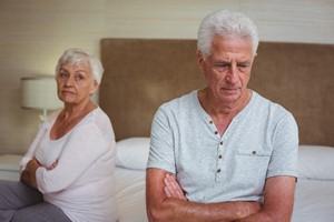Seks w dojrzałym wieku - uprawiany rzadziej ze względu na kompleksy i zdrowie [© WavebreakMediaMicro - Fotolia.com]