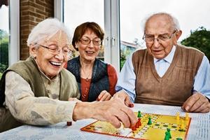 Senior bezpieczny w domu [© Ingo Bartussek - Fotolia.com]