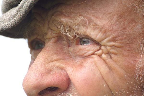 Seniorzy przeceniają swÃłj wzrok, nie dostrzegają wad widzenia [fot. rottonara from Pixabay]