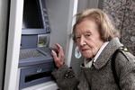 Seniorzy: z dala od banków [© mariesacha - Fotolia.com]