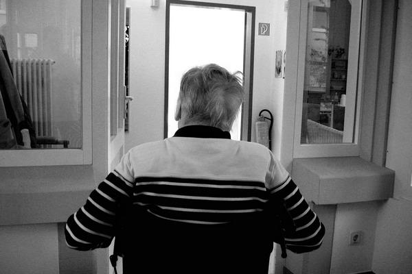 Seniorzy z zespołem Downa częściej chorują na demencję [fot. Gerd Altmann z Pixabay]