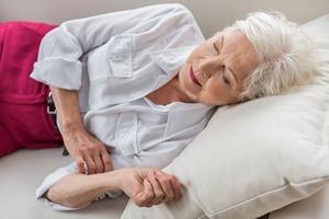 Senność w ciągu dnia to wyższe ryzyko choroby Alzheimera [fot. YakobchukOlena - Fotolia.com]