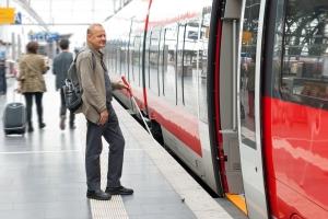 Serwisy internetowe dla pasażerów kolei: nie jest dobrze [Fot. elypse - Fotolia.com]