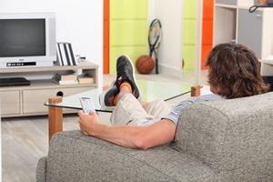 Siedzący tryb życia skutkuje polipami jelita grubego [© auremar - Fotolia.com]
