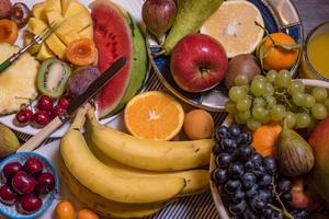Sięgaj po owoce zamiast soku - unikniesz cukrzycy [© vcaramazza - Fotolia.com]