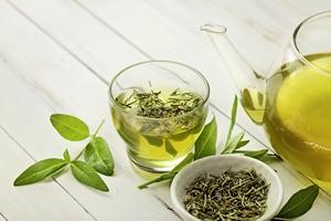 Składnik zielonej herbaty powstrzymuje reumatoidalne zapalenie stawów [© kuleczka - Fotolia.com]