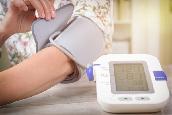 Skoki ciśnienia zwiększają ryzyko śmierci po udarze [Fot. Monika Wisniewska - Fotolia.com]