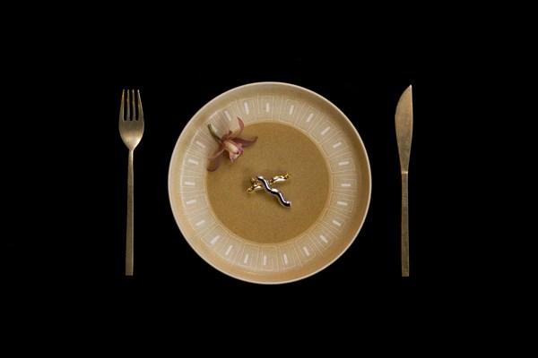 Skuteczne odchudzanie: ważne nie tylko, co jesz, ale i kiedy [fot. Shuenz Hsu on Unsplash]