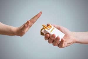 Skuteczny sposób na rzucenie palenia - pieniądze... [Fot. vchalup - Fotolia.com]