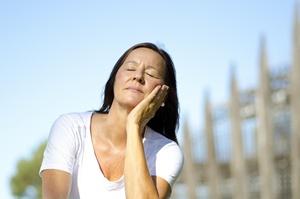 Słońce i tytoń: najwięksi wrogowie skóry [© roboriginal - Fotolia.com]