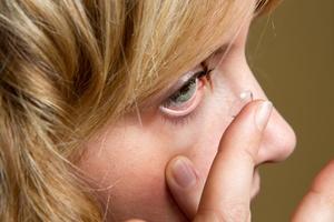 Soczewki kontaktowe dla diabetyków zmierzą poziom cukru [© Lsantilli - Fotolia.com]